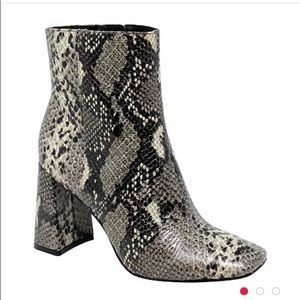 Snake print leather Boots BRAND NEW